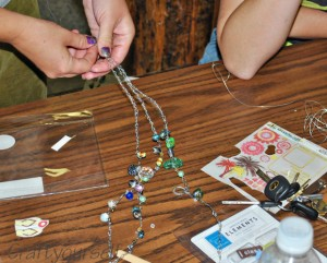 chainstitch crochet necklace making