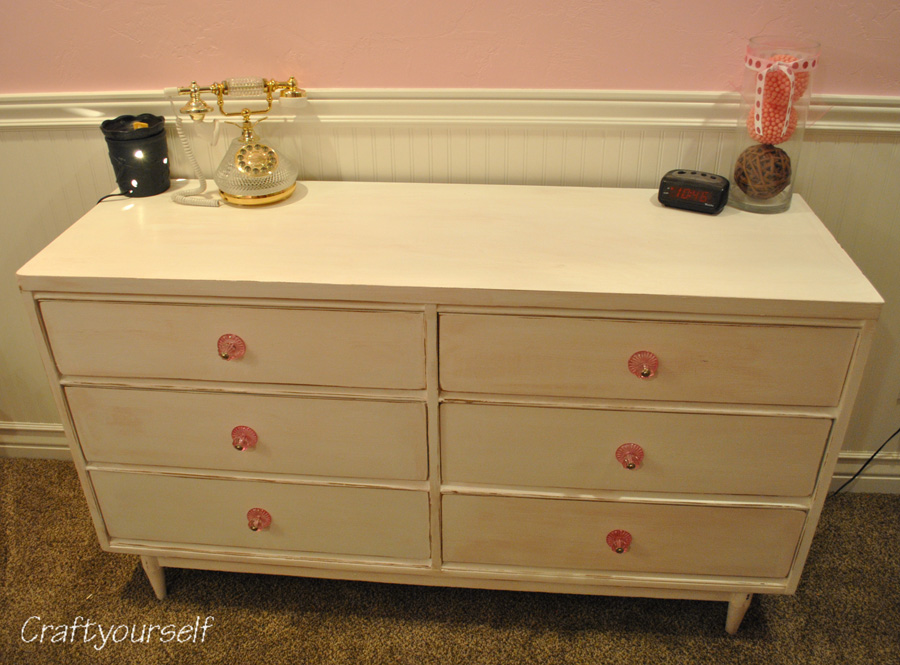 Shabby Chic' Dresser refurbish