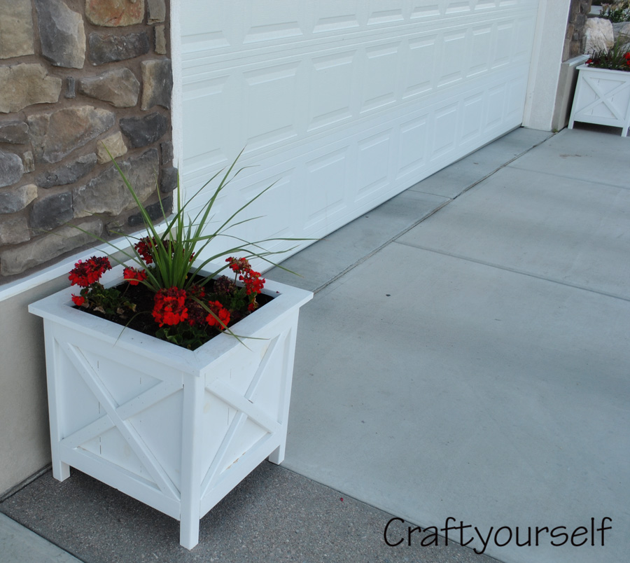 White Flower planters