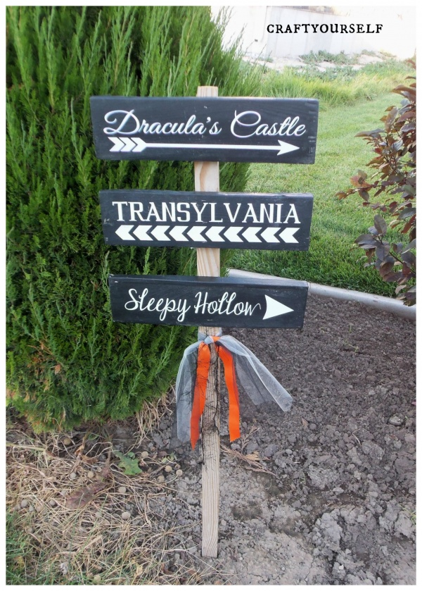halloween direntions yard sign