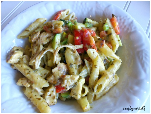 barilla one pot cheesy pesto chicken garden pasta