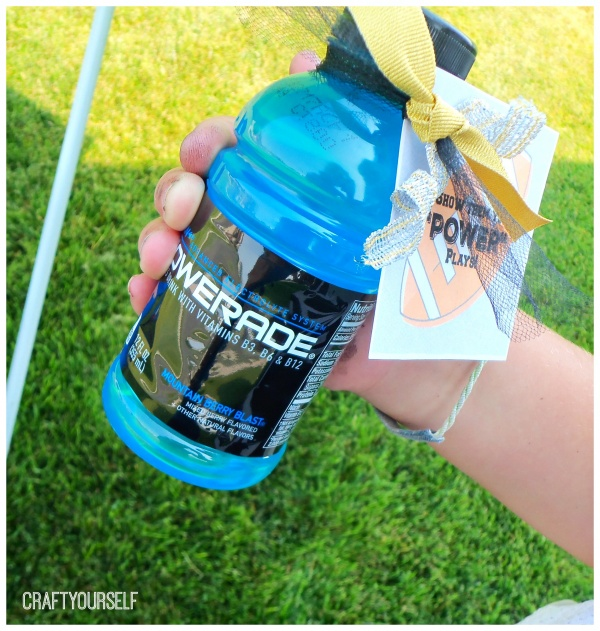 powerade hand out