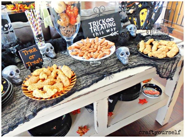 diy-halloween-plates-with-tyson