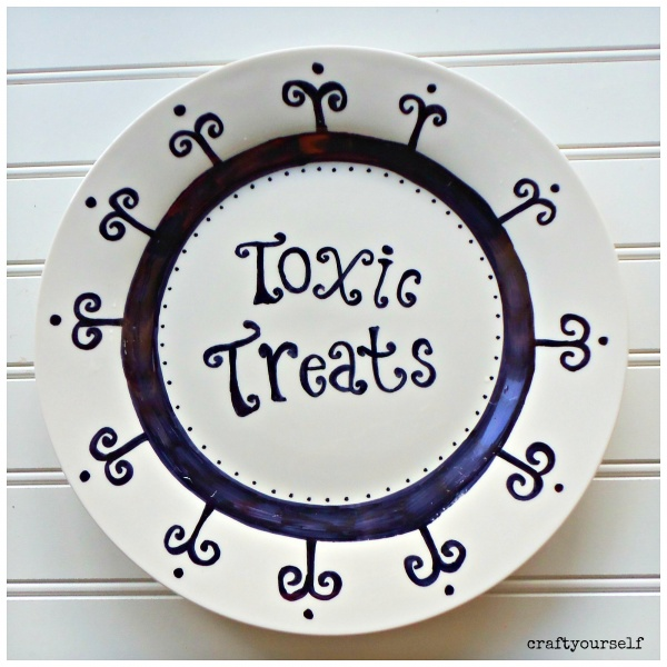 diy-toxic-treats-halloween-plate