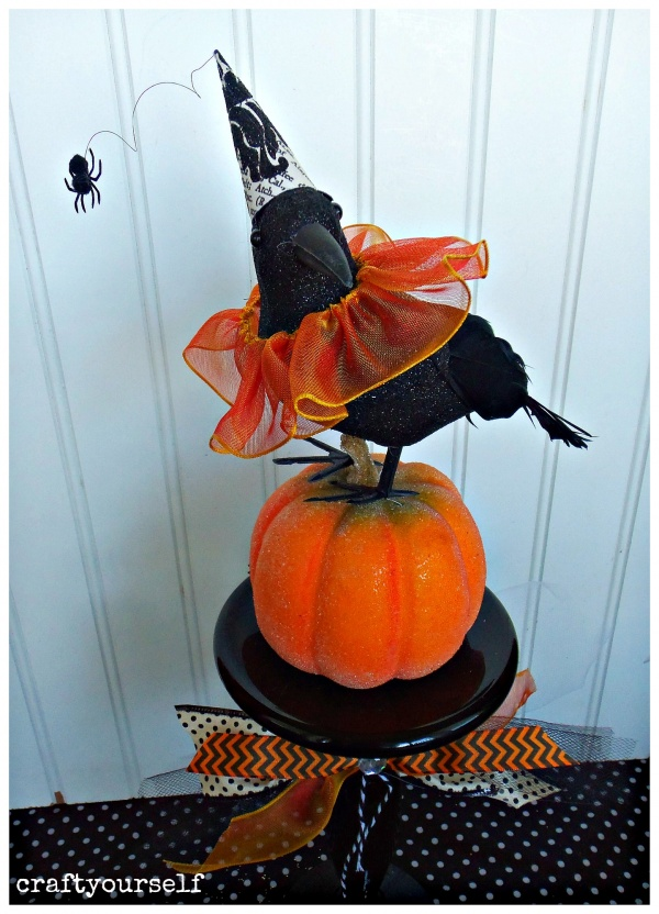 crow-on-pumpkin