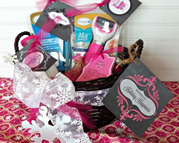 Holiday Pampering Gift basket with free printables!