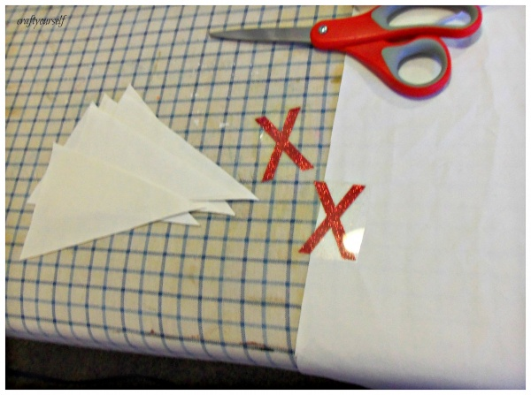 xoxo banner cutting