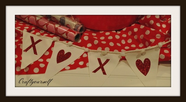 xs and hearts banner