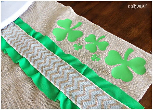 shamrock table runner green and gold