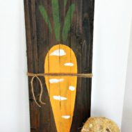 Rustic Wooden Slat Carrot Board Easer Decoration