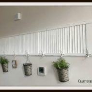 DIY Rustic Re-purposed Wood Shutter With Hooks