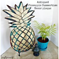 Antiqued Pineapple Summertime Decor plaque