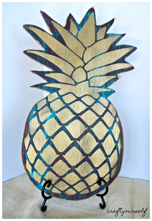 antiqued pineapple
