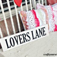 Simple Lovers Lane Sign